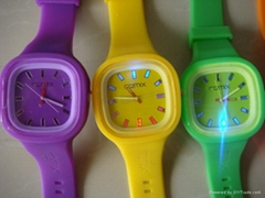custom logo watch silicone jelly watch with LED flashing light for US market