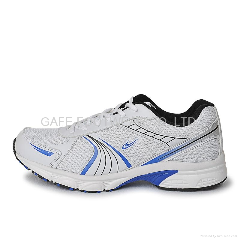 Should I Buy A Size Up In Running Shoes