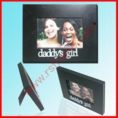 Supply black wood photo frame with  letter
