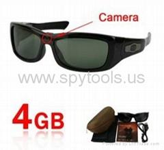 Spy Sunglasses Camera DVR with Detachable Earphone + MP3 Player + 4GB Memory
