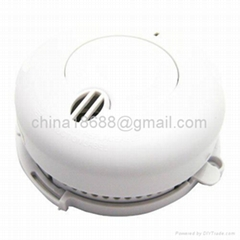 Miniature Battery Operated Photoelectric Smoke Detector with Low Battery Warning