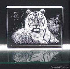 虎年內雕紀念禮品、上海世博會、深圳水晶禮品定做