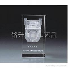 广东水晶礼品供应商、水晶内雕纪念品、水晶内雕奖杯奖牌