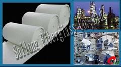 Heat insulating material for petroleum