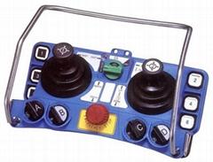 雙搖桿式遙控器