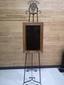 Pantalla de retrato digital de pie para funeraria