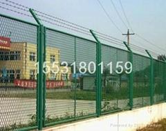 供應護欄用鋼板網