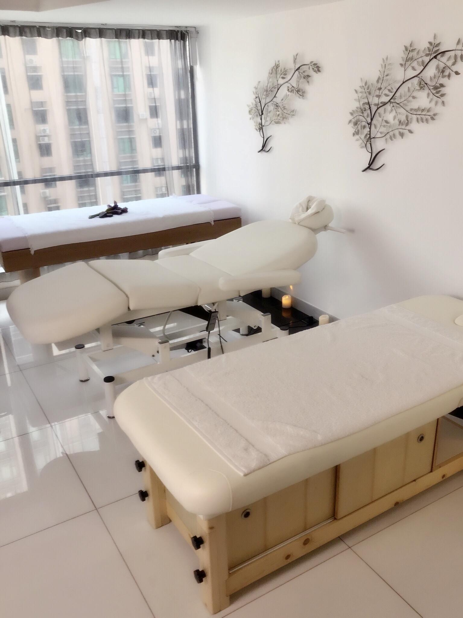 wooden beauty massage bed for sale 3