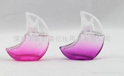 新妍美供應高檔精美月亮形玻璃香水瓶 1
