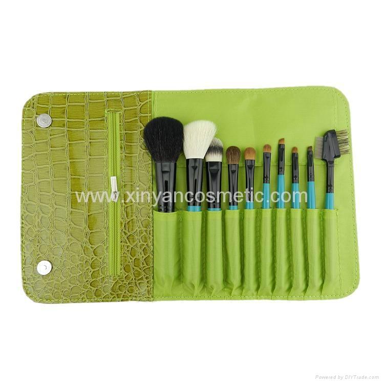 厂家供应旅行便携式10PCS化妆套刷+鳄鱼纹PU化妆包 4
