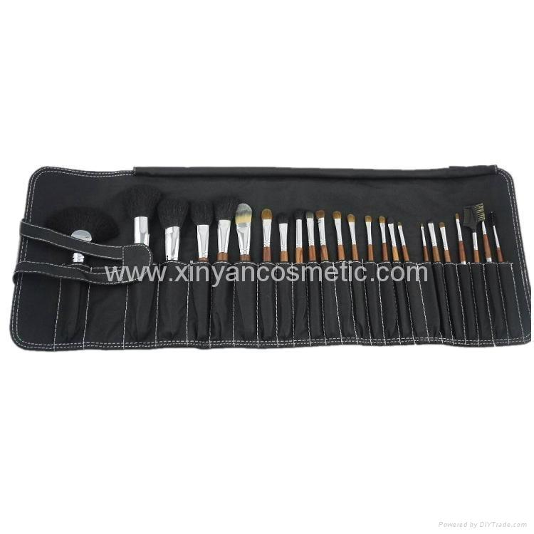 厂家供应专业深圳化妆刷工厂批发24支化妆套刷美容工具 2