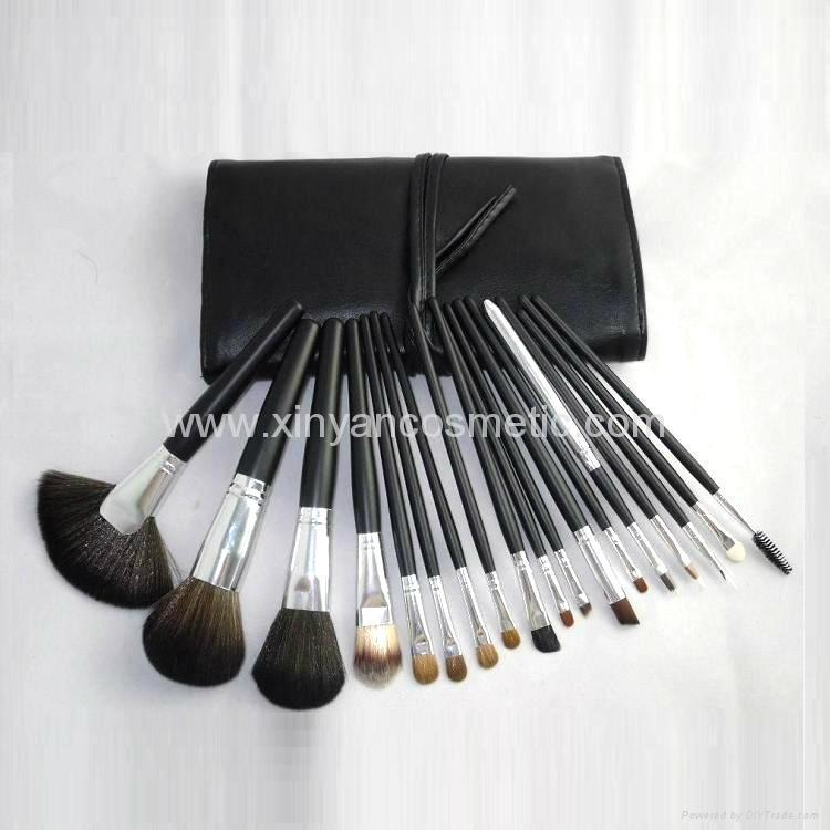 厂家供应黑色18支专业化妆刷套装木质手柄学校专业彩妆套刷 2