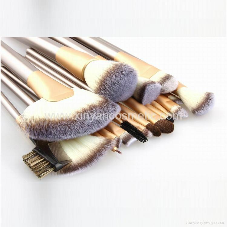 廠家供應米色18支專業化妝套刷學校專用美容刷工具 4