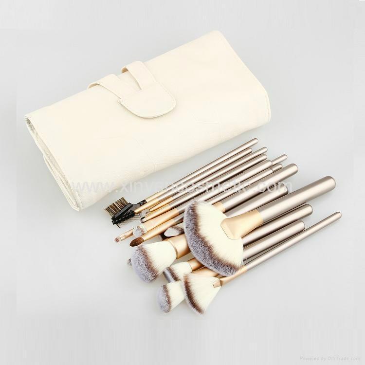 厂家供应米色18支专业化妆套刷学校专用美容刷工具 3