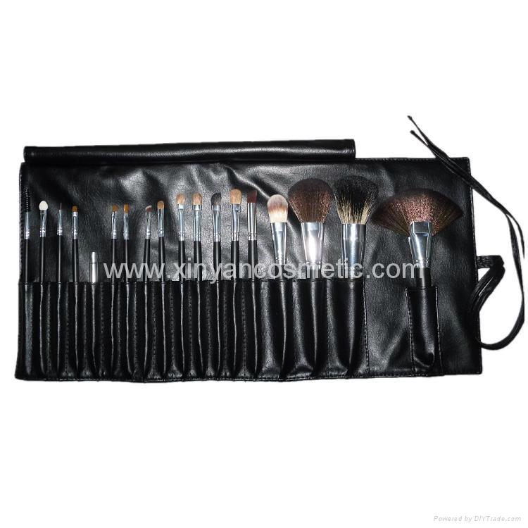 廠家供應黑色18支專業化妝刷套裝木質手柄學校專業彩妝套刷 3