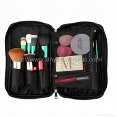 Manufacturer OEM Portable money multi-function high-capacity Gift makeup brush