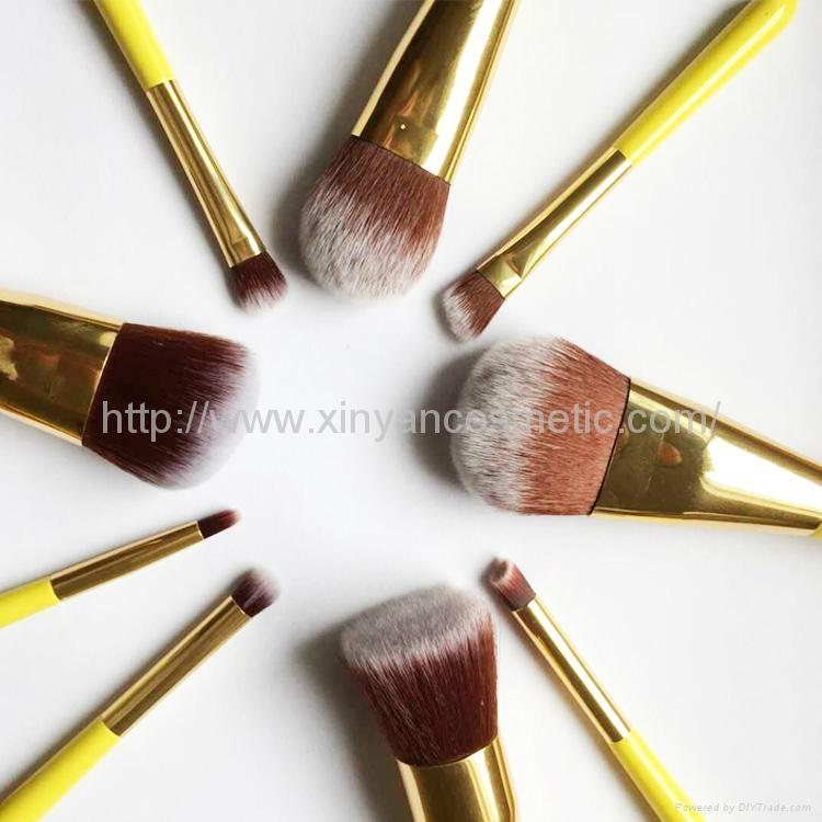 廠家OEM 便攜款可愛黃色9支小蠻腰化妝刷  4