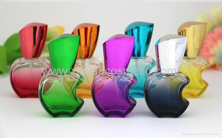 新妍美供应15ml苹果款香水瓶 彩色玻璃喷雾瓶 铝喷头 空瓶 香水分装瓶