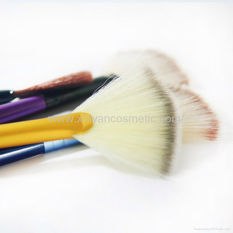 Manufacturer supply Wooden handle Imported synthetic fiber wool Powder brush 6