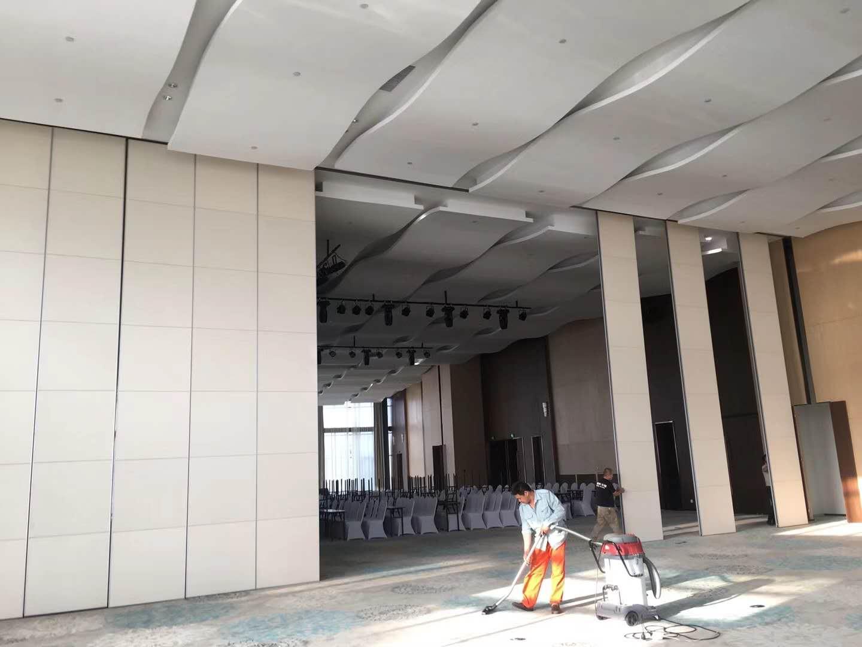 高堂100型酒店可移动折叠屏风 3
