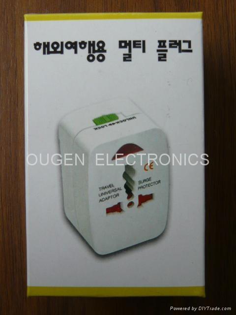 OU02A 全球通轉換插座 3