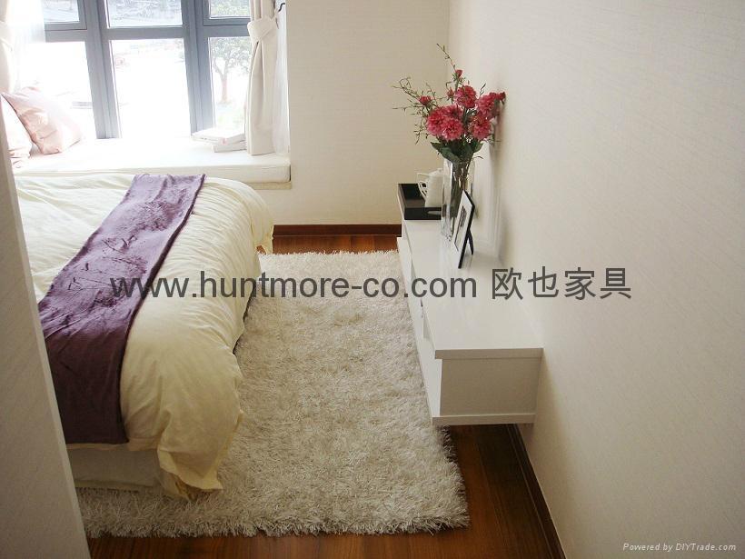 地毯6(白色長毛地毯) 1