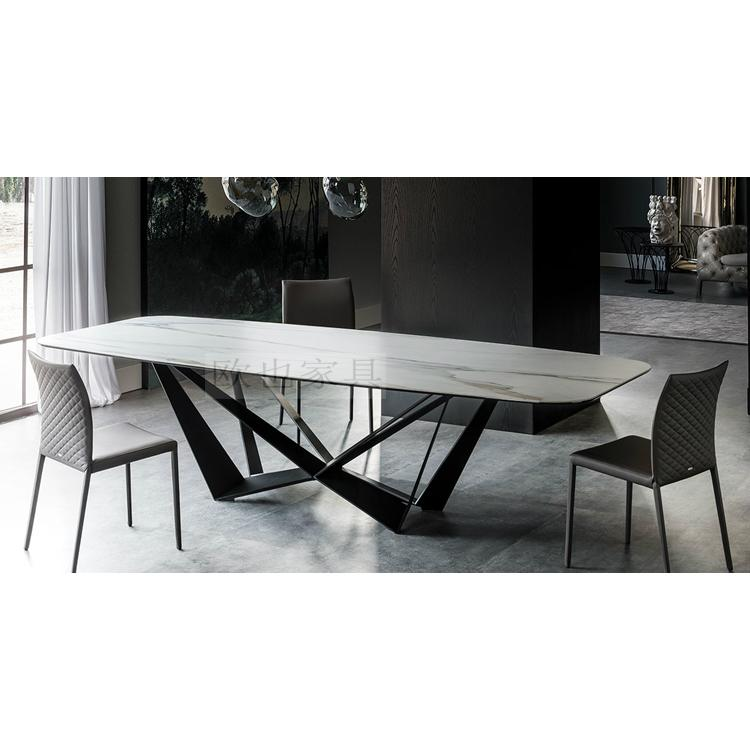 170522-44餐桌