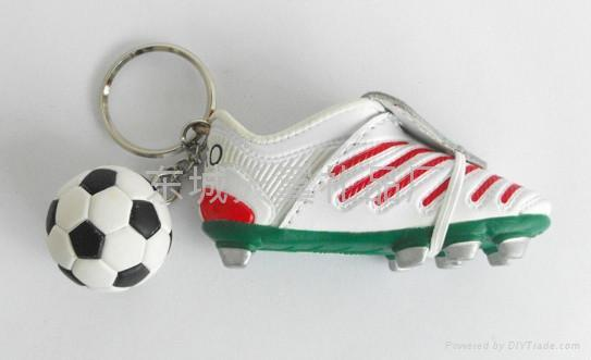 仿真小鞋子钥匙扣 2
