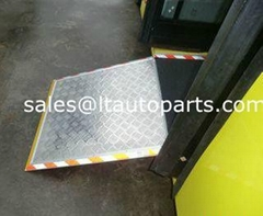 Manual Wheelchair Ramp for Low Floor City Bus