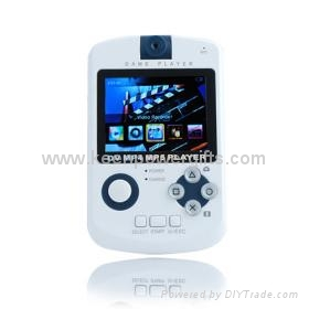 4GB QVGA Panel All-In-One Media Player (DV/MP3/MP4/Game/Camera/FM Function) 2 Co 2