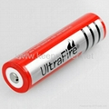 手电筒的充电器和电池 1