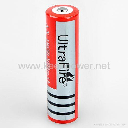 手电筒的充电器和电池 2