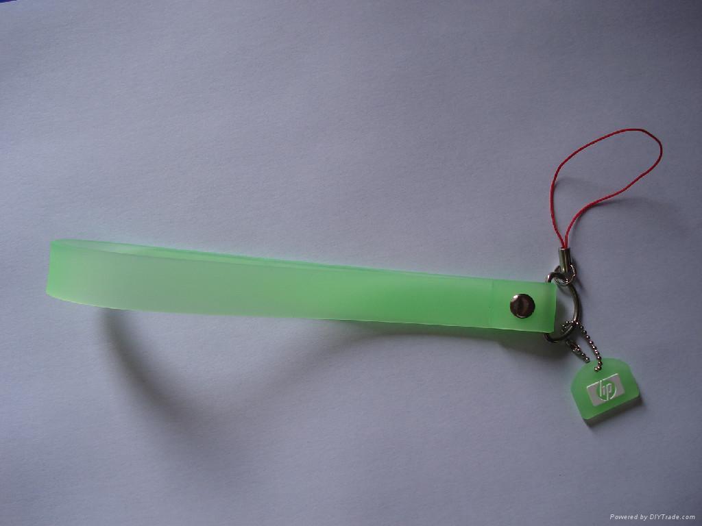供应PVC手机吊饰 3