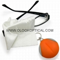 Micrefibre cleaning cloths with keychain 3