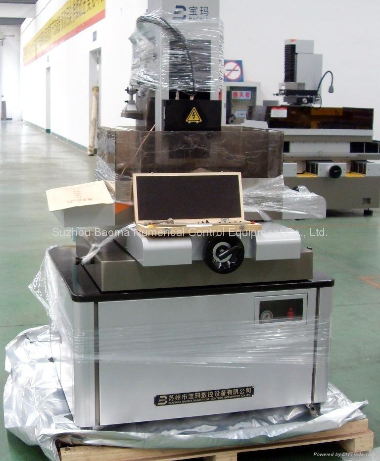精细型小孔加工机BMD703 3