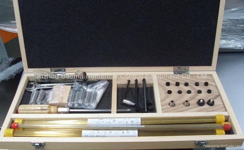 出口型小孔加工機DB703 3