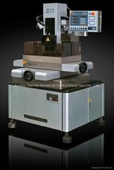 BMD703 精细型小孔加工机