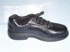 低帮防穿刺安全鞋