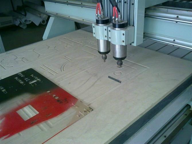 全自动电脑数控木工雕刻机 1