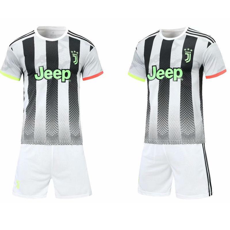 足球運動服 11