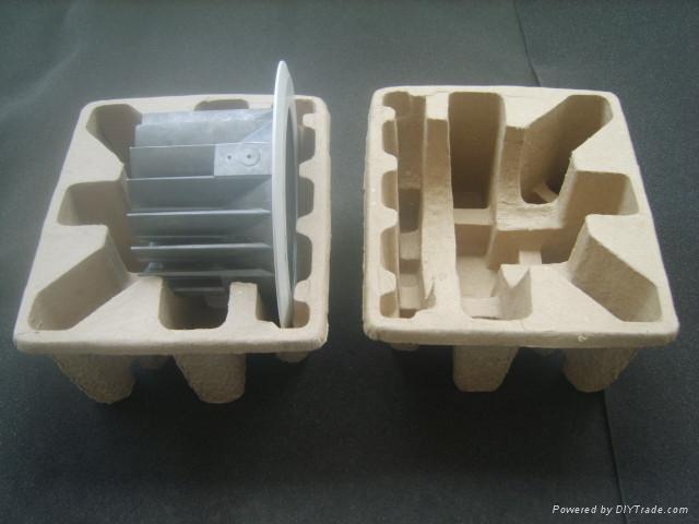 白色原木漿濕壓兩面光紙托 1