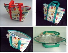 Nice looking non-woven cooler bags with CMYK printing