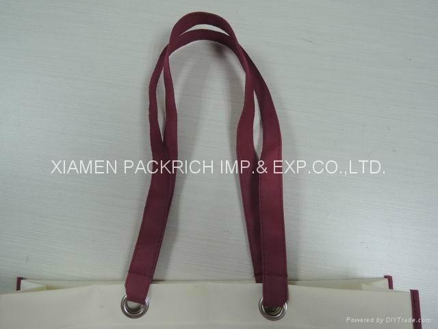 Cheap long handle with big eyelet non woven shopping bag 3