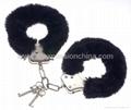 Fuzzy Fuzzy Kink Handcuffs
