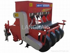 Tillage and fertilizer seeder