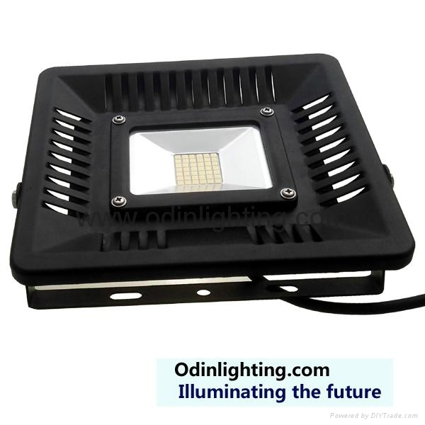 LED flood light 30W led floodlighting small size and light weight 2