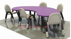 幼儿園桌椅