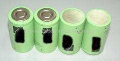 Industrial alkaline flat top batteries: