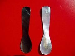 可雕刻商标在勺头的鱼子酱贝壳勺,起定量100支