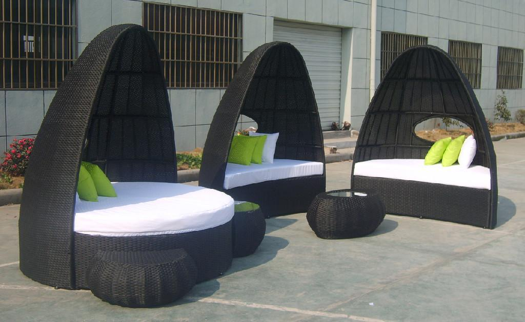 Wicker Beach Chaise Lounge Outdoor Round Bed Aluminium